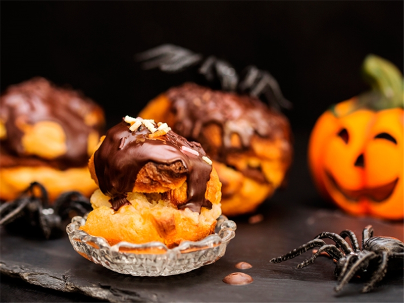 Pastelitos de Halloween con chocolate negro